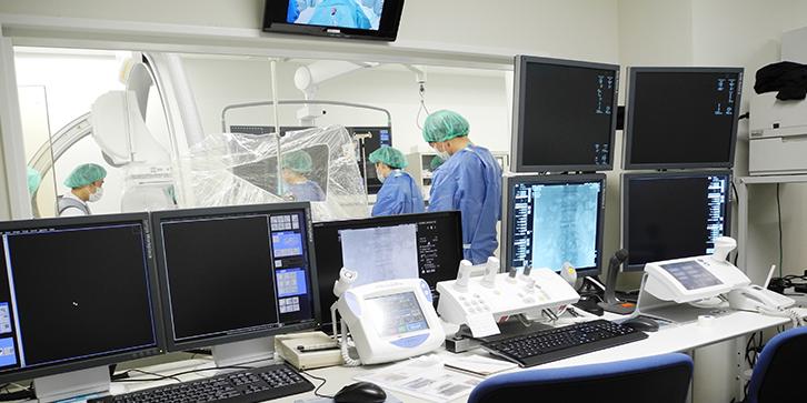 脳卒中の血管内治療メイン画像